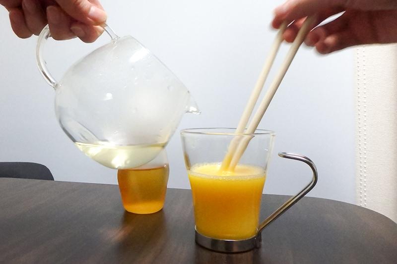 卵とお酒を混ぜる